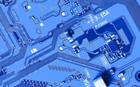 越来越多的SoC设计需要某种形式的外部存储器的接口
