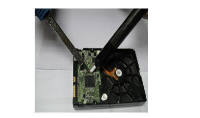 微控制器集成電路的9種外接振蕩元件引腳電路