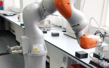 史上最剛的機器人化學家 8天工作172個小時