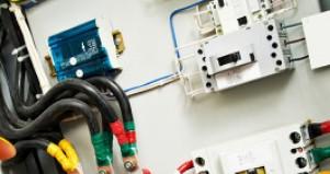 半絕緣和全絕緣電壓互感器有何不同?