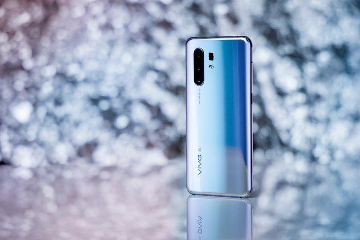 比较热门的双模5G手机,你在乎的是电池容量还是拍...