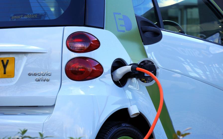 汽车充电桩产业起飞,什么样的方案受欢迎?