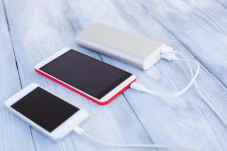 评测迪奥科USB-C to Lightning数据线:长达2米,提供苹果MFi认证
