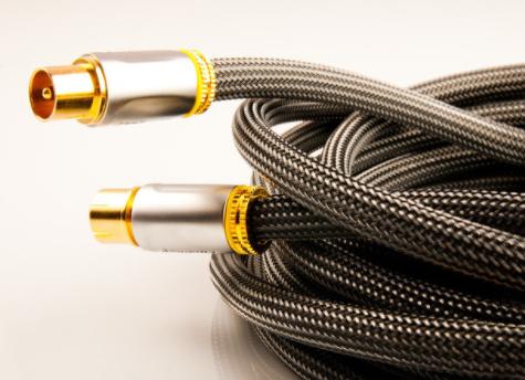 信号线、连接器、电源线三者之间有什么的角色关系?