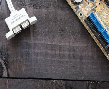 电子测量仪器对是电子信息产业的发展有着十分重要的作用