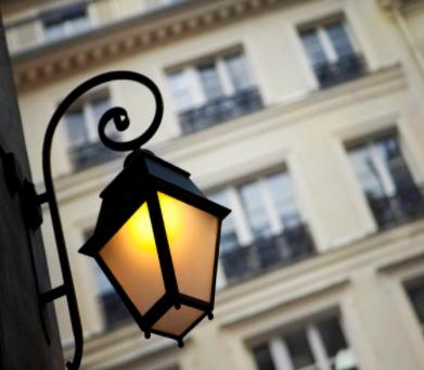 """智慧燈桿:智慧城市的""""新基建"""",承載LED屏等多..."""