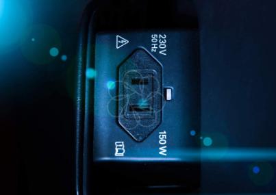 鑫谷直男一号快充版机箱:缓解插座孔位缺少情况,前置27W快充