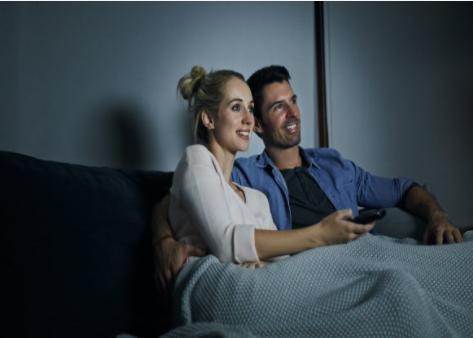 海信首款100英寸全色激光电视:巨幕观影,震撼视听