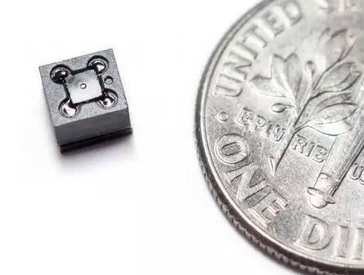 英特爾開發針對小型物件和大型機器(例如汽車)的圖...
