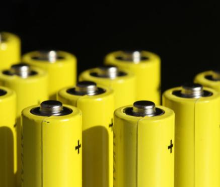 丰田计划在奥运会亮相固态电池,能量密度是锂电池的2-3倍