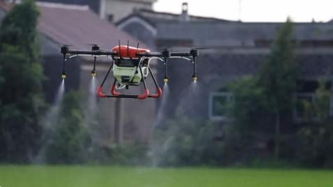 无人机飞行方向为障碍物顺行方向做的原因是什么?