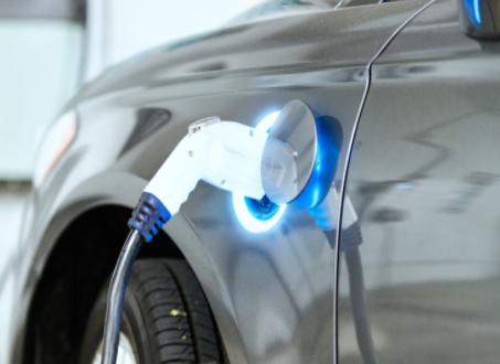 工業電源在現代新型科技技術的應用和重要性、發展潛...