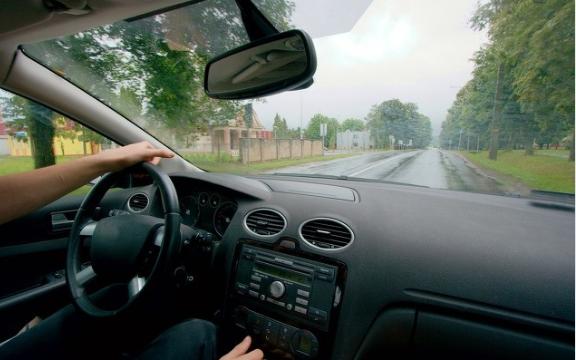 以AI技术为基础,智能驾驶汽车正在稳步向前发展