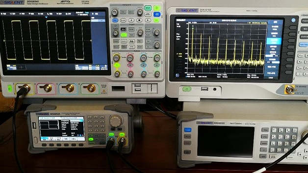 SDS5054X数字荧光示波器和SVA1032X...
