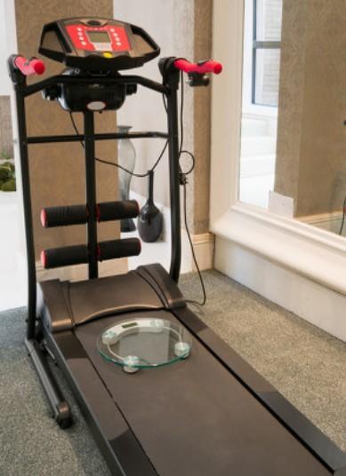 台达生产的跑步机专用变频器有何特点?