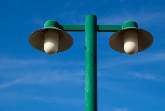 智慧灯杆等智能照明解决方案对于全球城市的智能转型至关重要