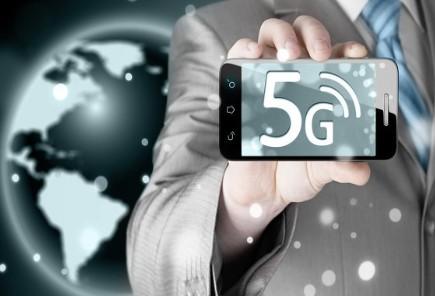 与2020第一季度相比,第二季度5G手机销量占比达33%