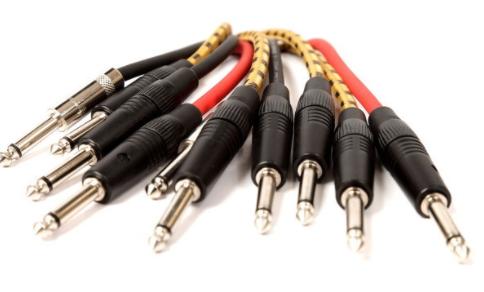 电连接器的选择条件及不同参数