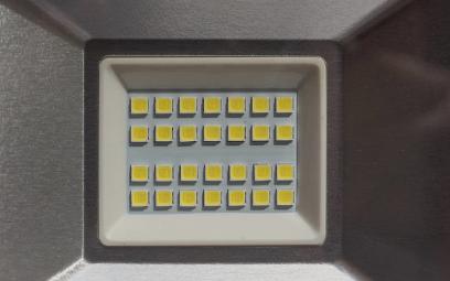 如何设计高效高可靠的LED驱动