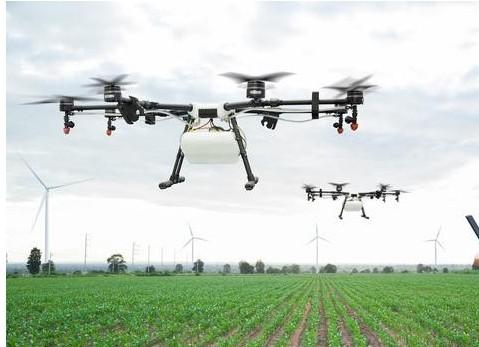 农业无人机采用GPS操你啦日日操,可以通过手动或使用地面IoT传感器来控制它们