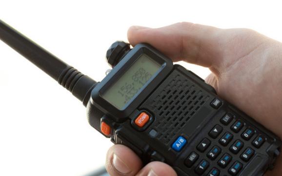 普通数字对讲机是如何连卫星通话的,其实很简单