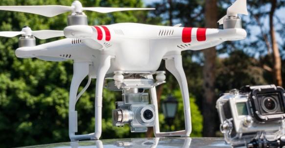 无人机助力电网抢修
