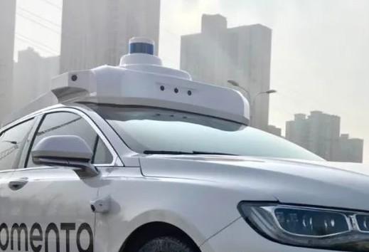 """""""飞轮式""""L4由量产数据驱动的完全无人驾驶系统不断进化"""