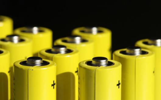 3C锂电池性能测试的重要性以及大电流弹片微针模组的作用