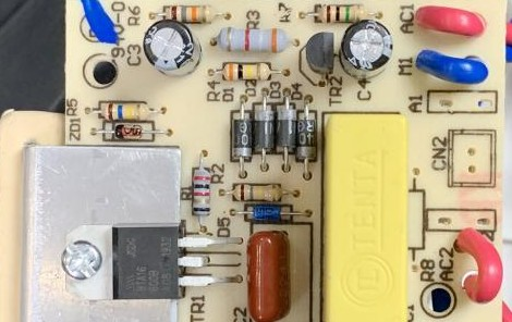 基于可控硅整流器 BTA16-600B