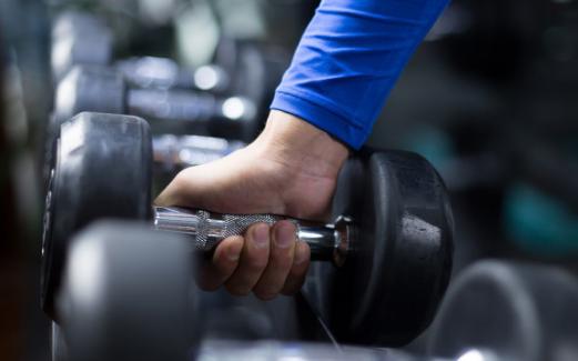健身房智能魔镜的问世,让健身房变得更智能更便捷