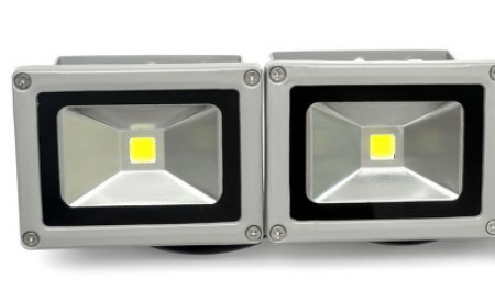 LED车头灯光源的变化及其特点