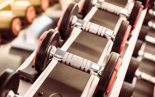 将智能技术融入健身房中,享受智能魔镜带来的便利