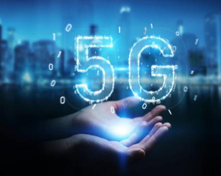 为5G领先地位,美国边制裁华为边拍卖5G网络频谱