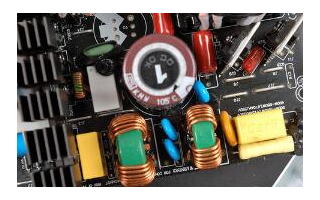 為低EMI場景設計的SilentSwitcher系列架構穩壓器解決方案