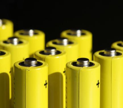 未來十年磷酸鐵鋰將取代鋰錳鈷氧化物成為固定式能量儲能化學