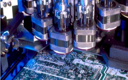 Ramtron推采用精簡的FBGA封裝的4M F-RAM存儲器