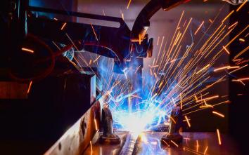 焊接機器人對比手工焊接的優勢