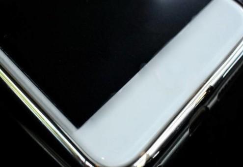 折疊屏手機的屏幕材質選LCD還是OLED?