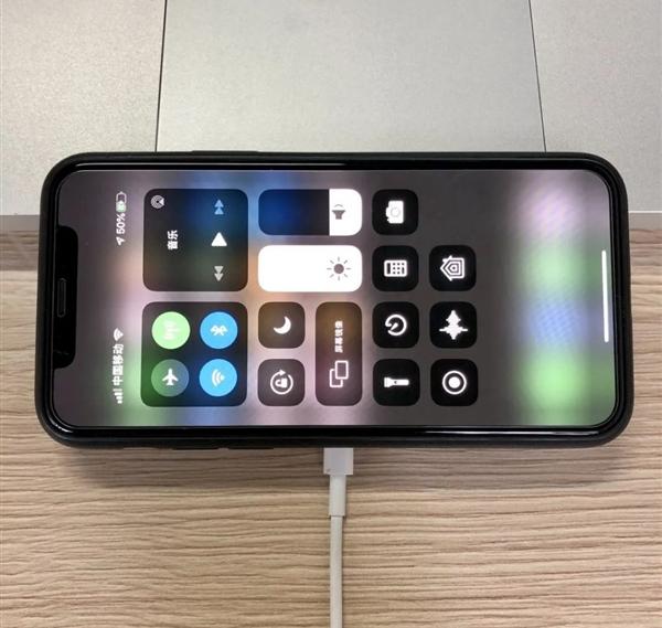 一起看看中国工程师自研的iPhone 12磁吸无...