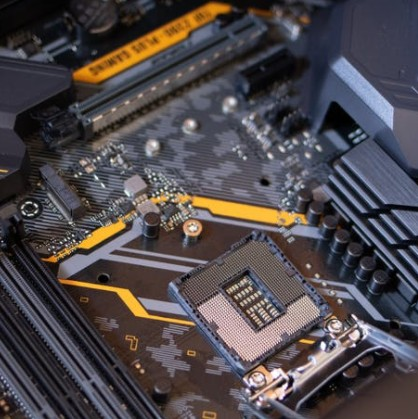 碳基芯片則與傳統的硅基芯片的制備方法有哪些本質的差別?