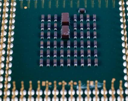 中芯国际计划准备铺设无美国设备的40纳米芯片生产...