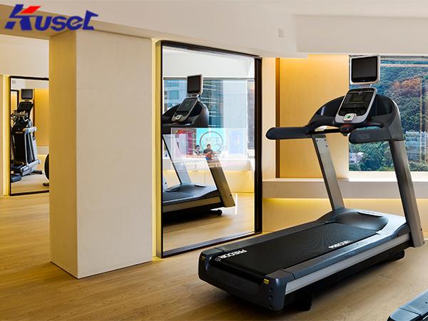 健身房中的智能无脂镜让健身运动迎来了新的变化