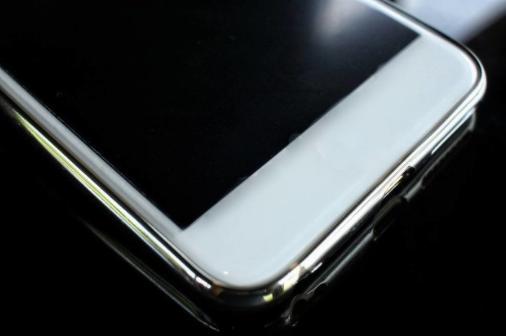 手机贴膜透光率超过90%,将对眼睛造成巨大伤害