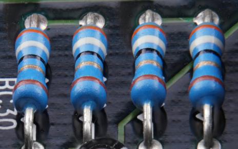 倒F型三頻帶通濾波器的設計和應用