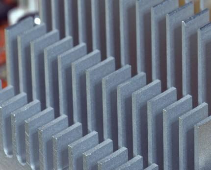 檸檬光子推出的HCSEL新型半導體激光器芯片有何優勢?