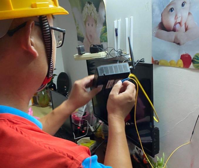 苏州移动工作人员从半夜到凌晨 耐心帮助客户测试复网站