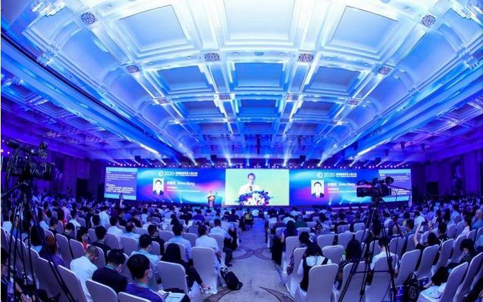 无人机+编程孕育无限可能 中国AOPA和创客火亮...