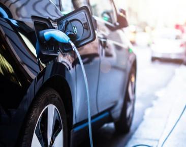 充电网络更广泛的可用性将是推动电动汽车应用的关键