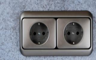 设计一款简单的12V2A的常规隔离开关电源