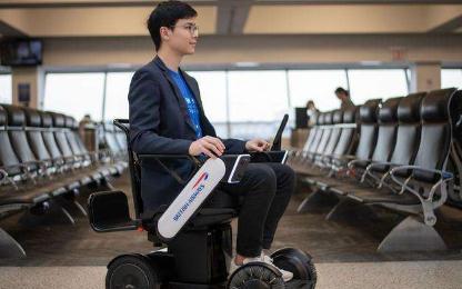 Whill制造了采用防碰撞技术和规避障碍物的传感器的自主驾驶轮椅